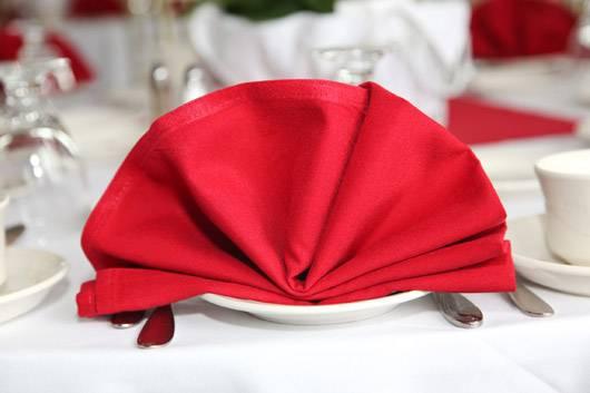 Khăn trải bàn – áo bàn – áo ghế 1KB22