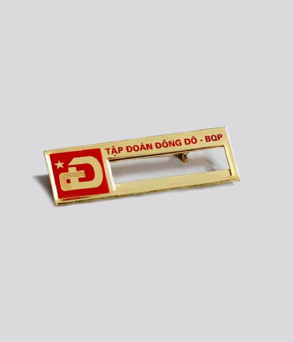 Đồng phục thẻ tên – huy hiệu 10