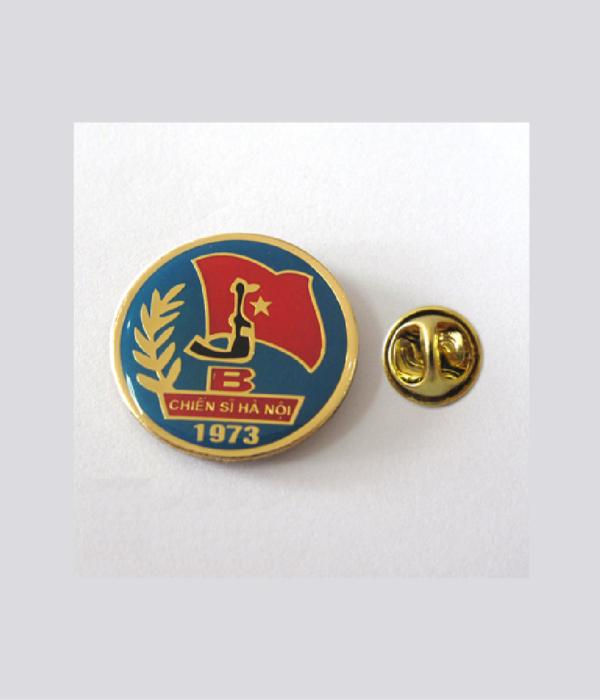 Đồng phục thẻ tên – huy hiệu 15