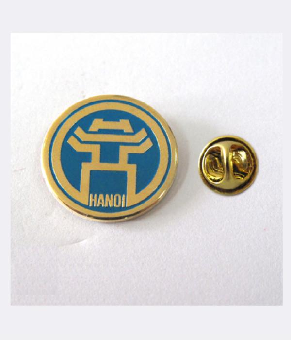 Đồng phục thẻ tên – huy hiệu 17