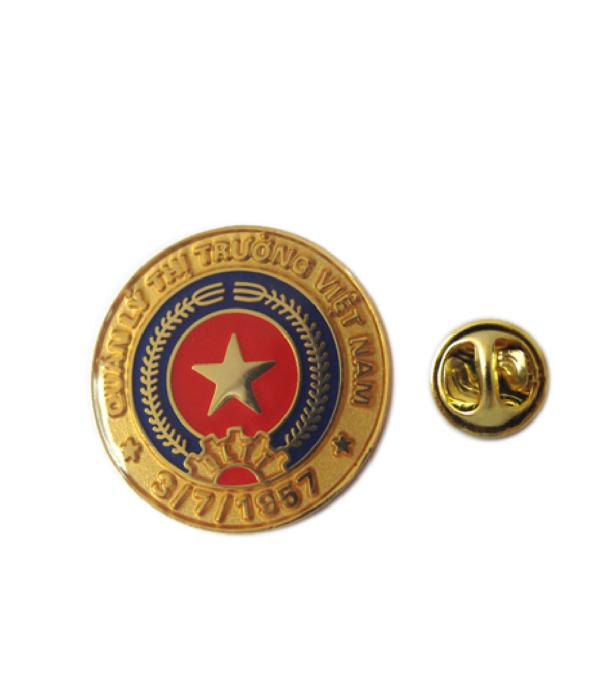 Đồng phục thẻ tên – huy hiệu 20